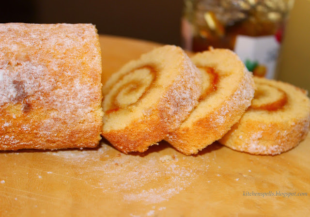 Swiss Roll/Jam roll