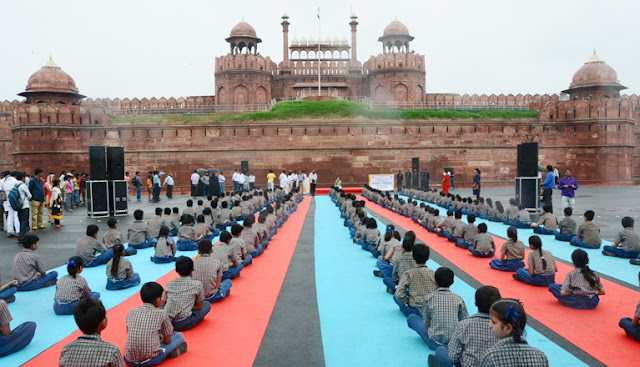 yoga-at-red-fort-new-delhi