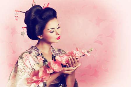 Tratamento de beleza japonês seguido por todas as mulheres japonesas