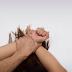 Mujer muerde pene de hombre que la obligó a practicarle sexo oral