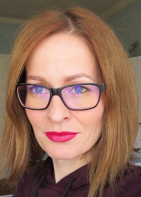 saveonbeauty_tigi_decadent_lipstick_finesse_recenzia