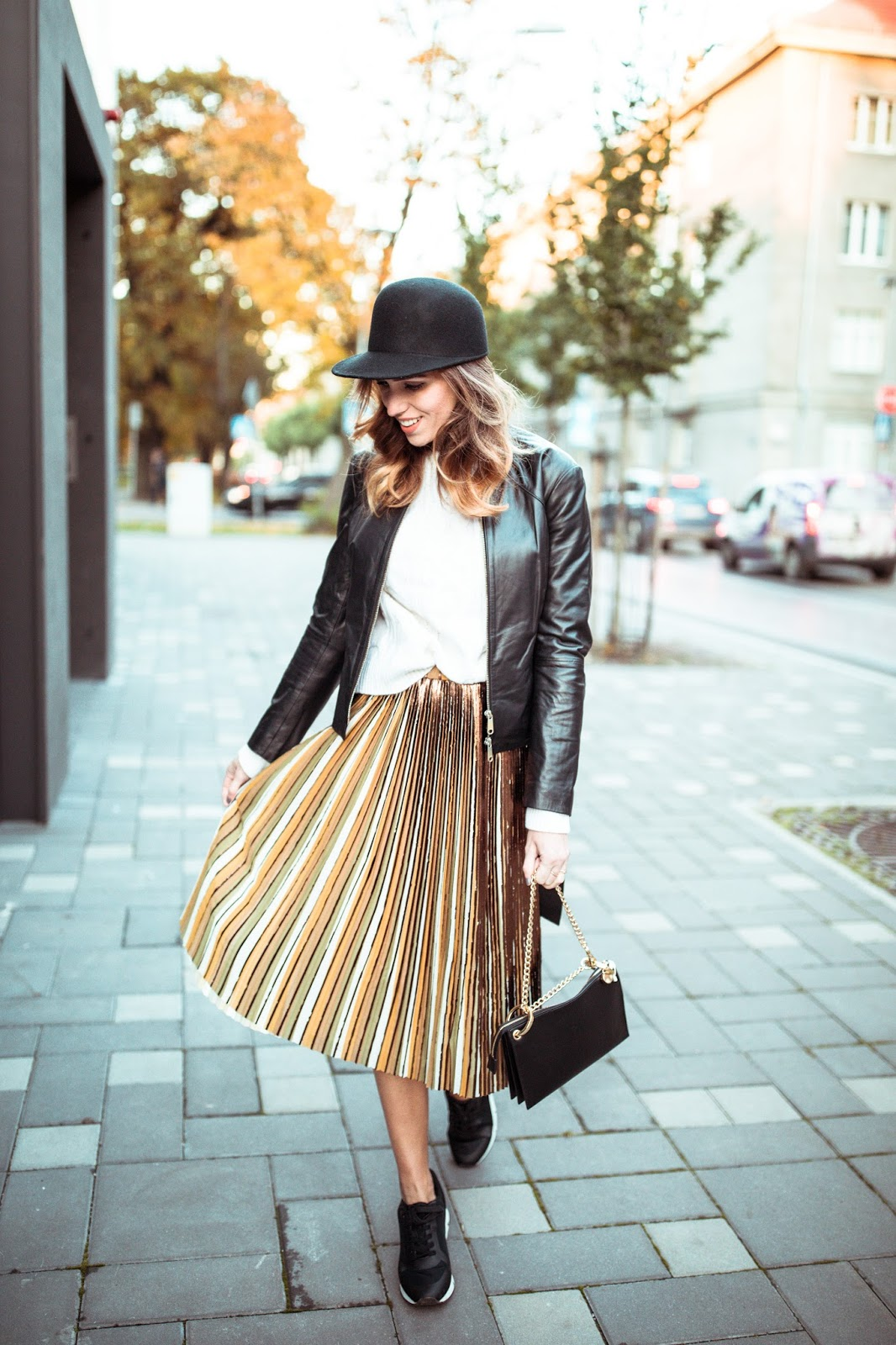 pleated skirt outfit fall