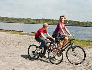 El niño de la bicicleta (Le gamin au vélo, Jean-Pierre Dardenne y Luc Dardenne, Bélgica / Francia / Italia, 2011)