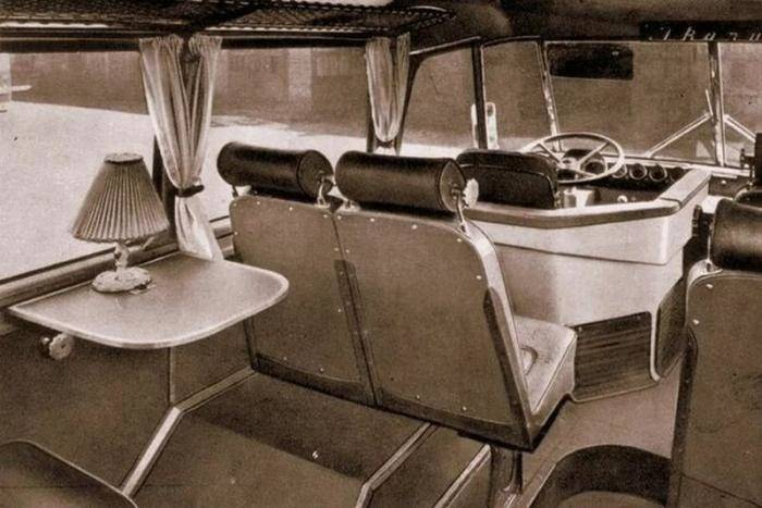 The Retro Bus Ikarus 55 | The Hungarian High-Floor coach