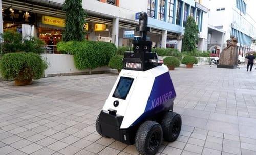 Singapore uses robots to conduct patrols