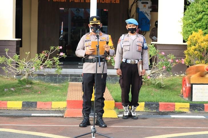 Kapolres Takalar Pimpin Upacara Korps Raport Kenaikan Pangkat 41 Bintara