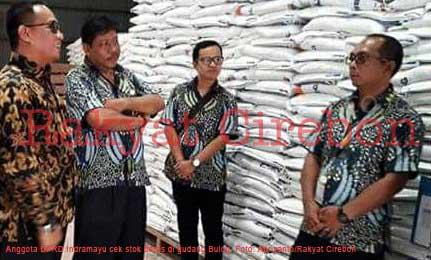anggota dprd indramayu cek stok beras ke bulog
