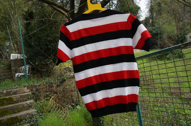 un top en laine rayé  (mon deuxième coup de coeur )  60s striped knit top