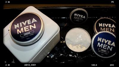 krim multifungsi bagi kulit pria dikenal dengan brand NIVEA MEN Creme