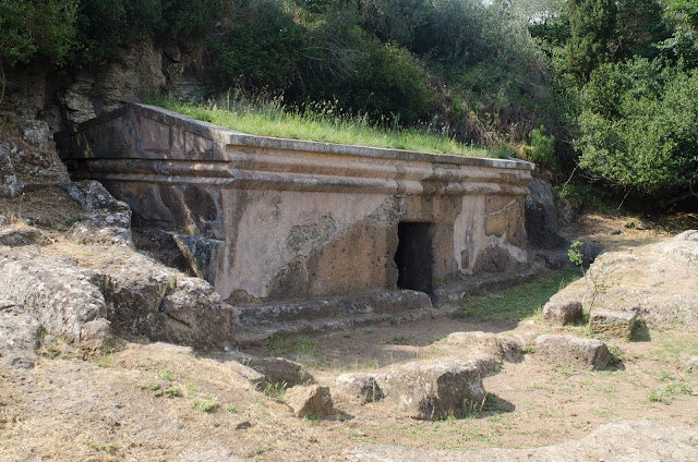 Second restoration campaign of Etruscan Necropolis of Peschiera completed