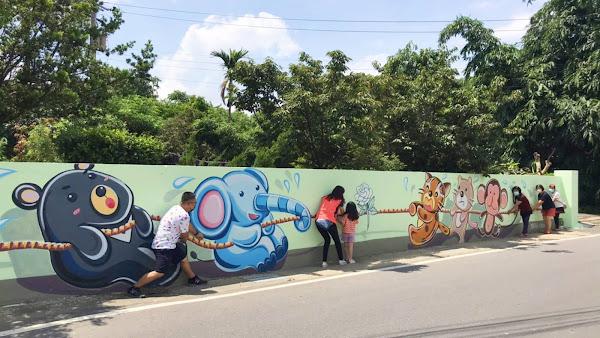 花壇文德社區街角巷弄彩繪牆 打造新打卡秘境景點