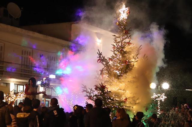 Χριστουγεννιάτικη εκδήλωση και φωταγώγηση του Χριστουγεννιάτικου δέντρου στον Άγιο Αδριανό