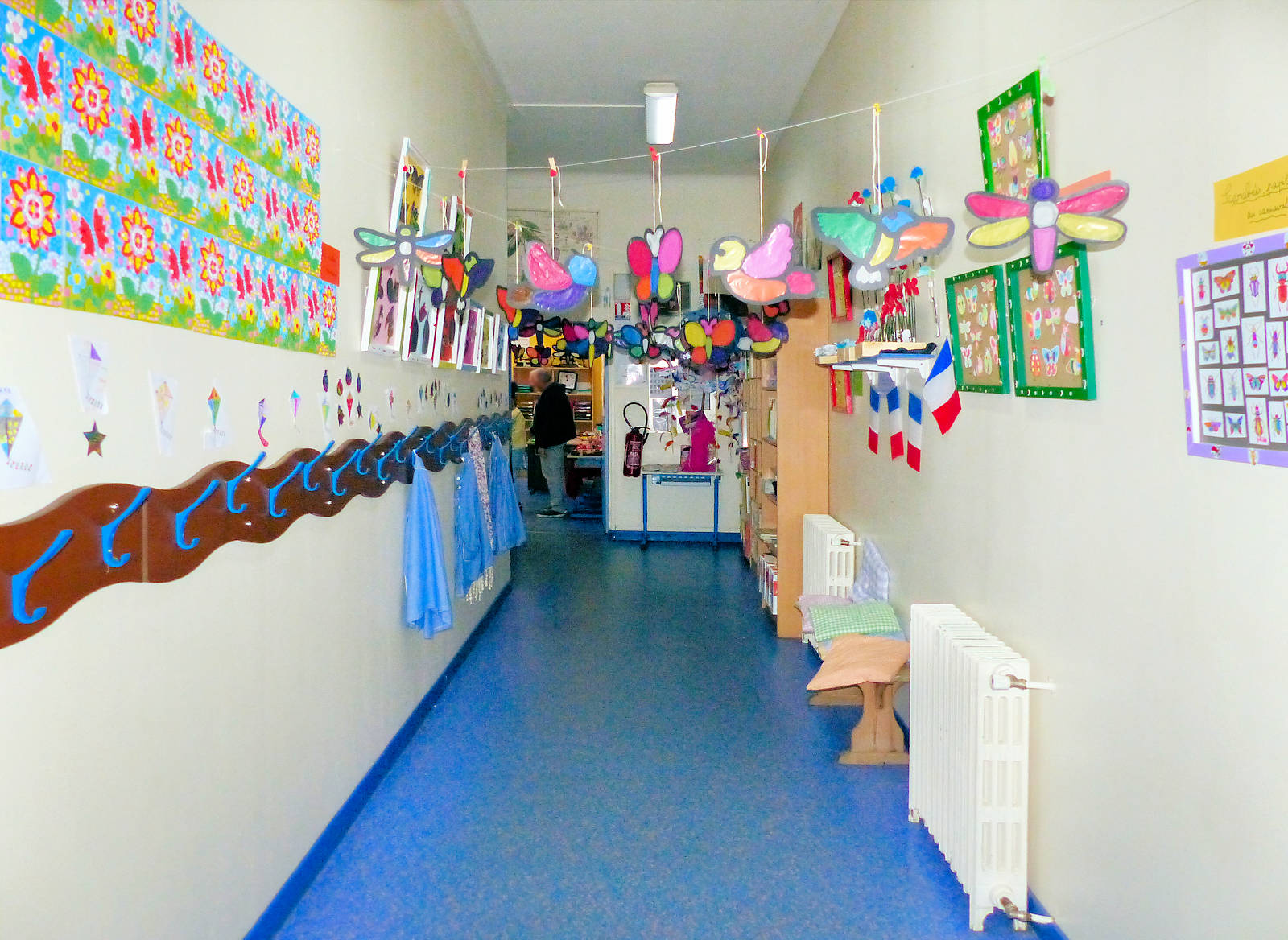 Couloirs École Primaire CNDI - Tourcoing, rue des Anges.