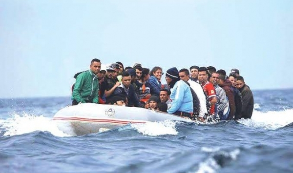 المهدية : ايقاف مركب صيد على متنه أطفال وحوامل يعتزمون الهجرة السريّة