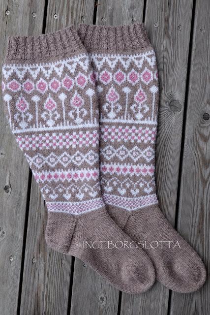 Stranded knitted socks