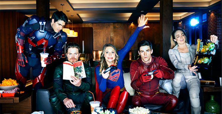 superhéroes de DC se reúnen en un macrocrossover Heroes vs Aliens