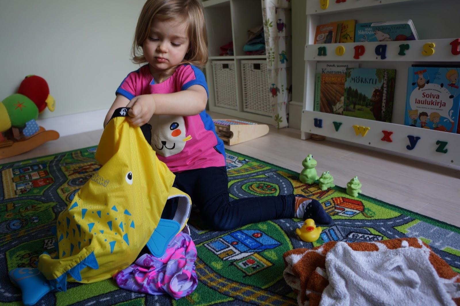 packing trunki paddlepak spike the blowfish backpack