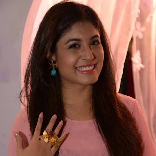 Mitron Movie Actress Kritika Kamra Images, Kritika Kamra Images, Wallpapers