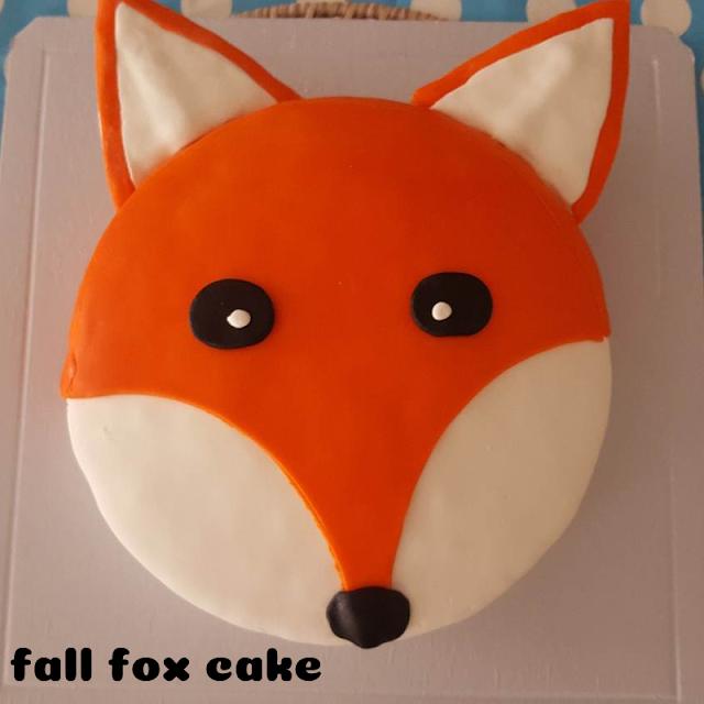 A fox cake for fall