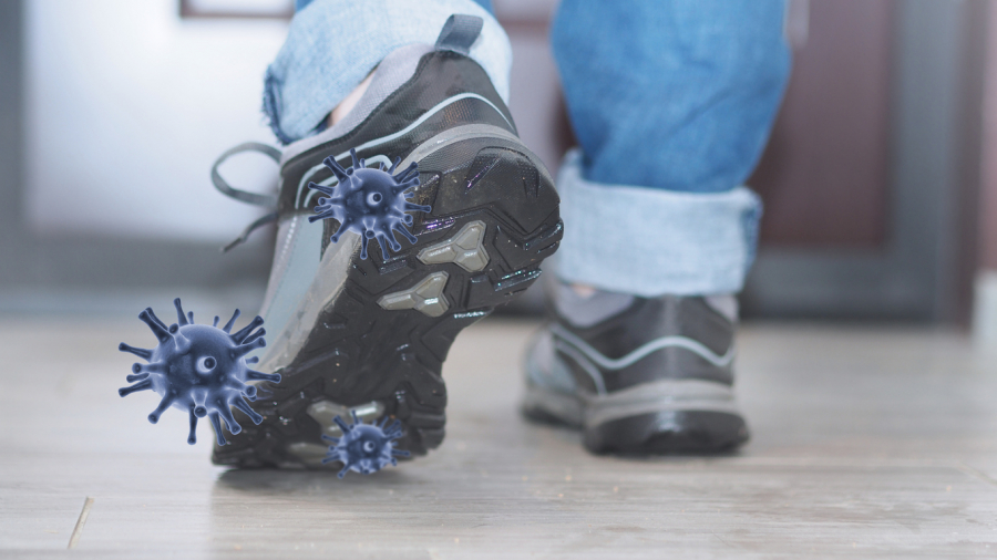 Κορονοϊός:Tι ισχύει για την εξάπλωση με τα παπούτσια