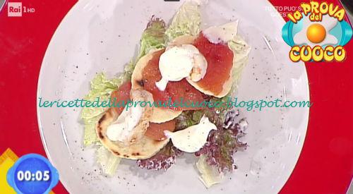 Millefoglie di pomodoro con scampi e salsa allo yogurt ricetta Improta da Prova del Cuoco