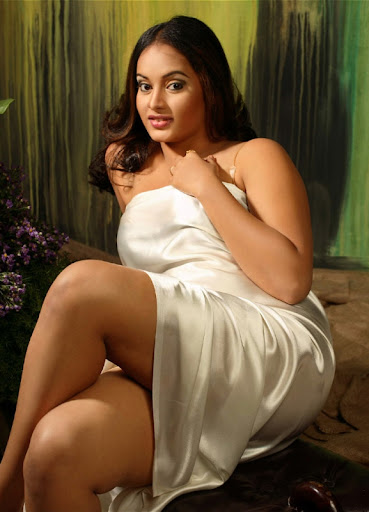Suja in silky white dress spicy pics