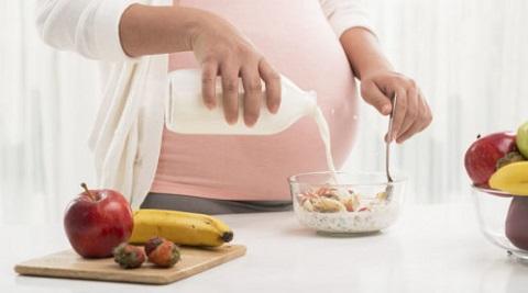 4 Makanan yang Dihindari Ibu Hamil