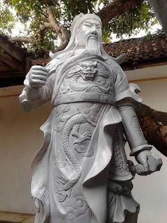 patung dewa persembahan patung nyata
