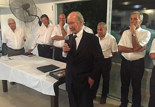 Carlos Gringo Meschwitz recibió el CAP de la URT