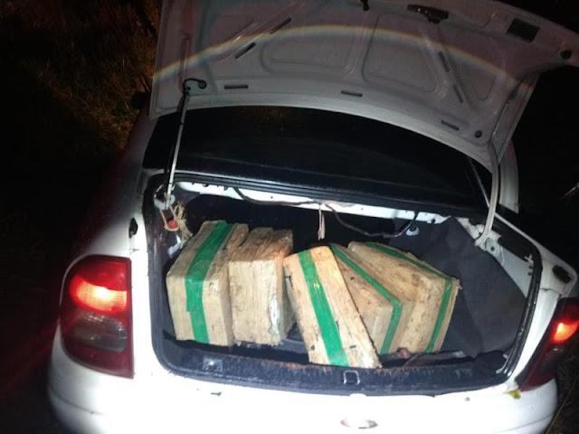 Polícia Militar intercepta transporte de 93 kg de maconha armazenada em fardos