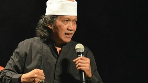 Kerap Kritik Jokowi, Cak Nun Bicara Soal Sosok Presiden Pilihannya