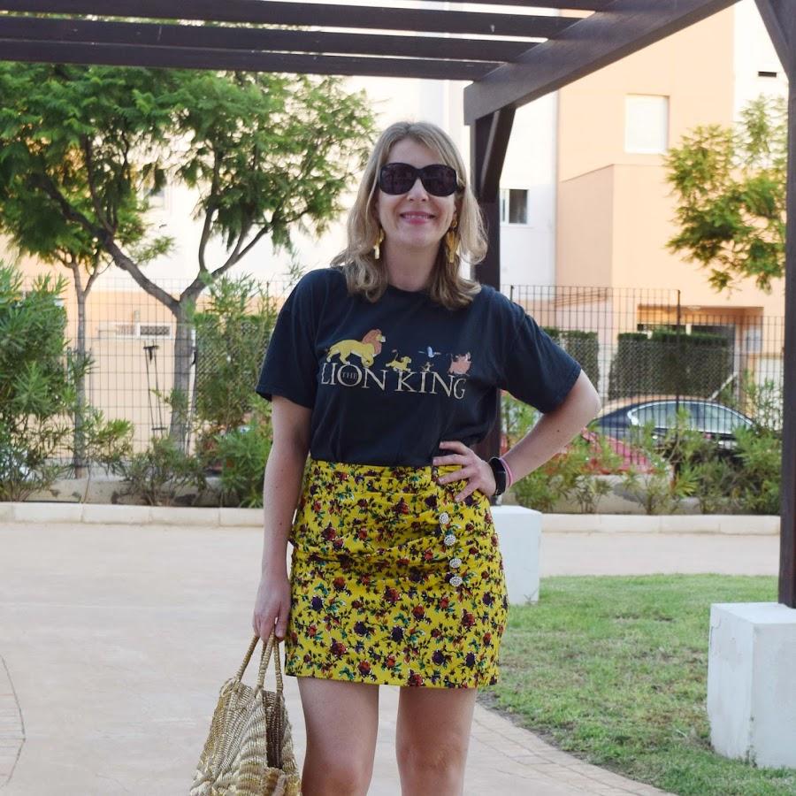 Mini_skirt_Tshirt_Lion_king