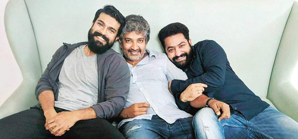 Director Rajamouli To Reveal #RRR Title On 1st Jan, 2019!