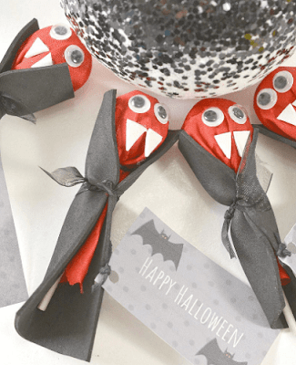Halloween Vampire Lollipops