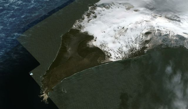 What's wrong with this satellite image of Saunders Island?  Saunders%2BIsland%2B%25282%2529