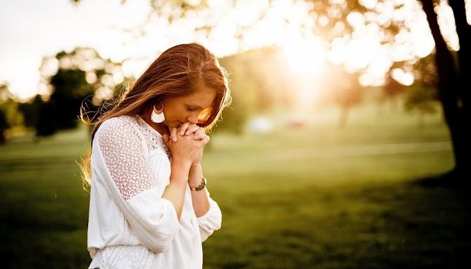 Особлива молитва яку треба читати після сну, щоб мати захист на цілий день