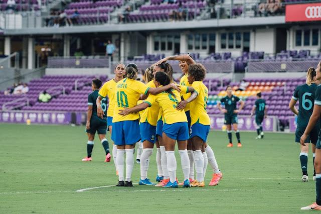 Comemoração da seleção brasileira em gol na She Believes Cup