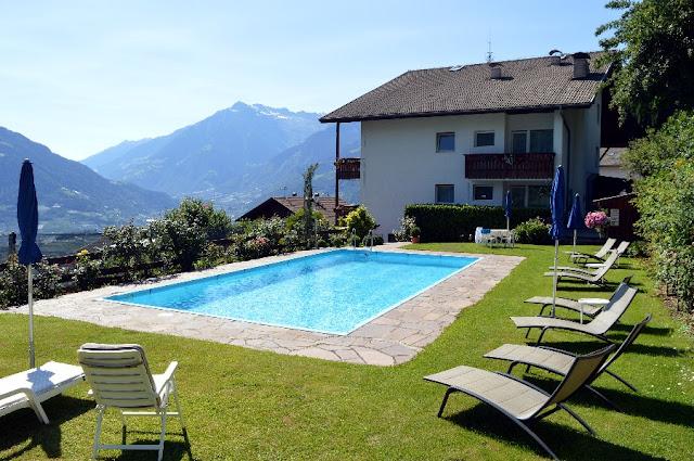 hotel a scena merano con piscina
