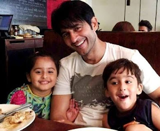 Hiten Tejwani Family Wife Son Daughter Father Mother