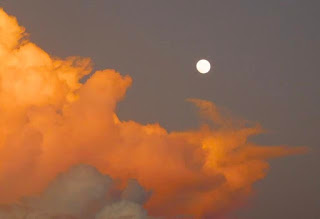 photography, sunsets, paya bay resort, moonrise,
