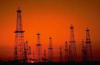 een olieveld levert in barrels per dag