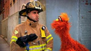 Murray What's the Word on the Street Robot, Sesame Street Episode 4406 Help O Bots, Help-O-Bots season 44