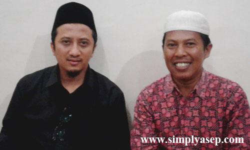 Saya dengan KH Tusuf Mansur saat itu. Ini fotonya ahaai. Teirma Kasih untuk Ustad  Lukmanulhakim, pimpinan Pondok Pesantren Modern Ashabul Yamin.