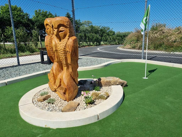 Minigolf at Northcliffe & Seaview Holiday Parks in High Hawsker, Whitby. Photo by UrbanCrazy, July 2021