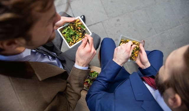 how to eat healthy on the go eating nutritious business travel
