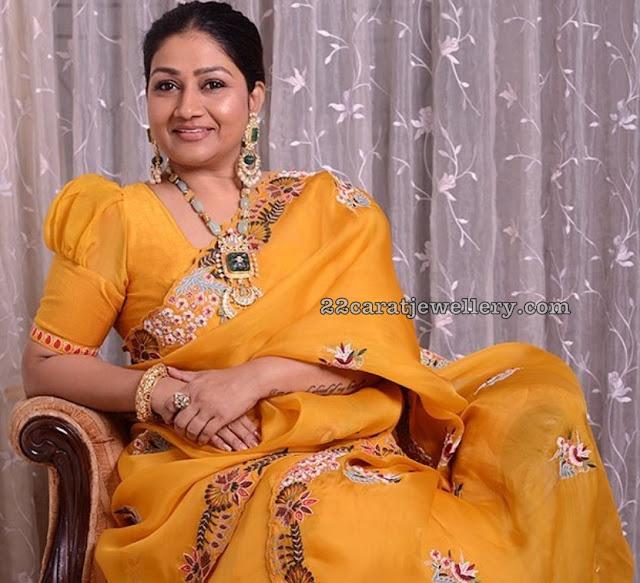 Dolly Jain Curved Emerald Kundan Set