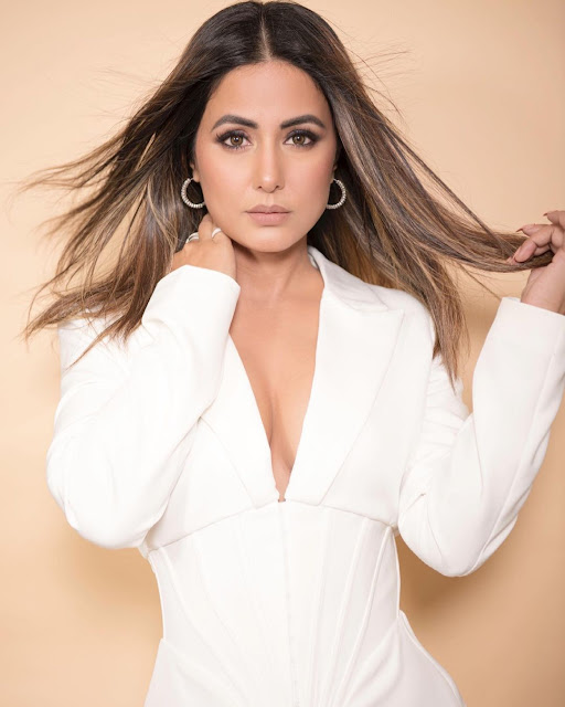 Hina Khan's glamorous avatar in a white outfit, see photos Funny Jokes