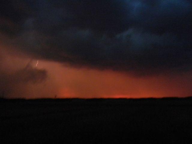 burza, pogoda, czarne chmury, błyskawica