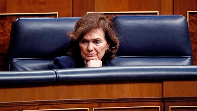 """Vicepresidenta española: """"El rey emérito no huye de nada"""""""