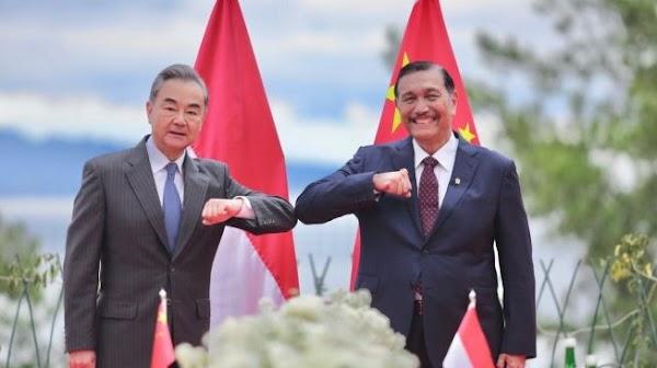 Menlu China Telponan Sama Luhut, Bicarakan Covid, Investasi dan Danau Toba